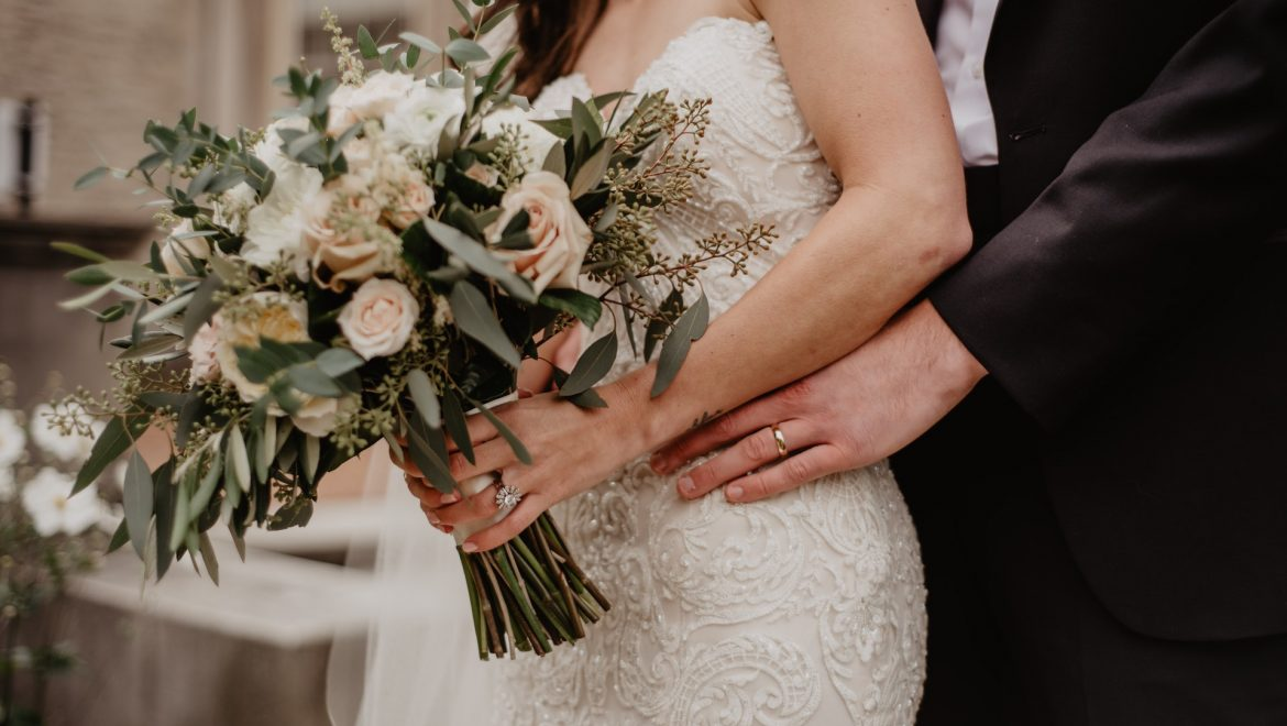 10 Best and Unique Italian Wedding Traditions