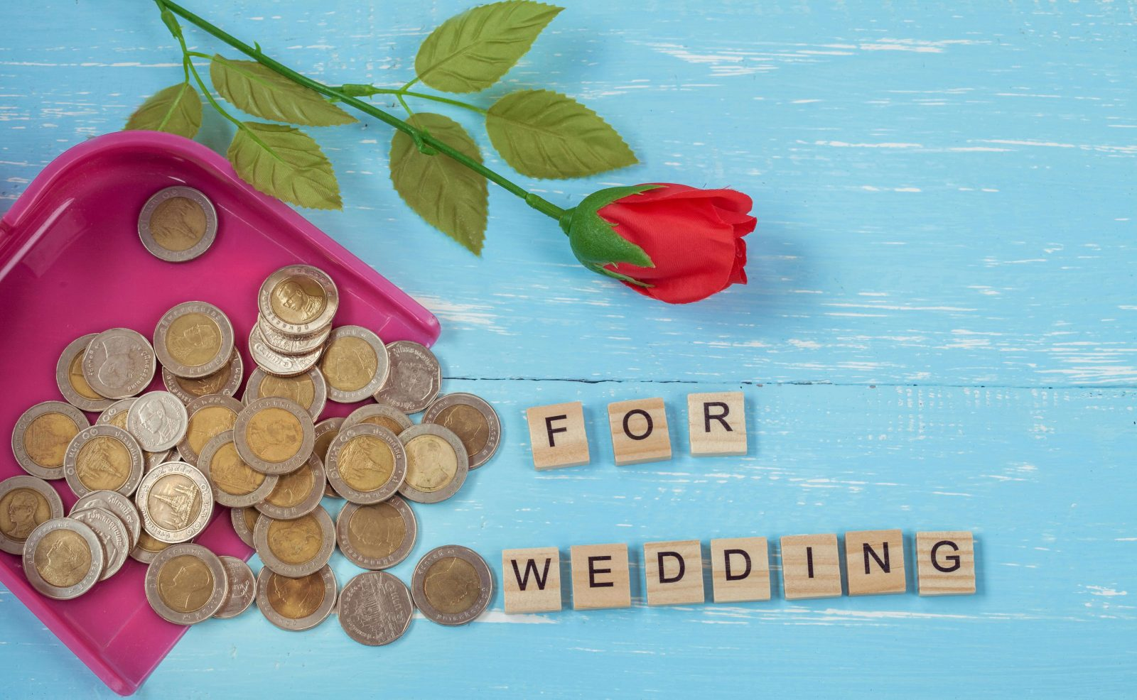 How to Save Money for a Wedding in a Year